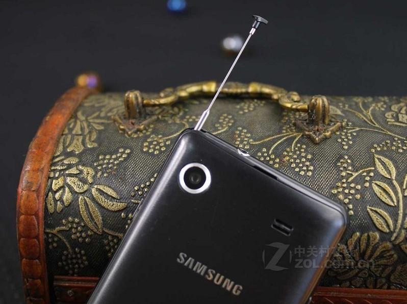 包装清单:主机 x1 锂电池 x1 数据线 x1 耳机 x1 充电器 x1 说明书 x