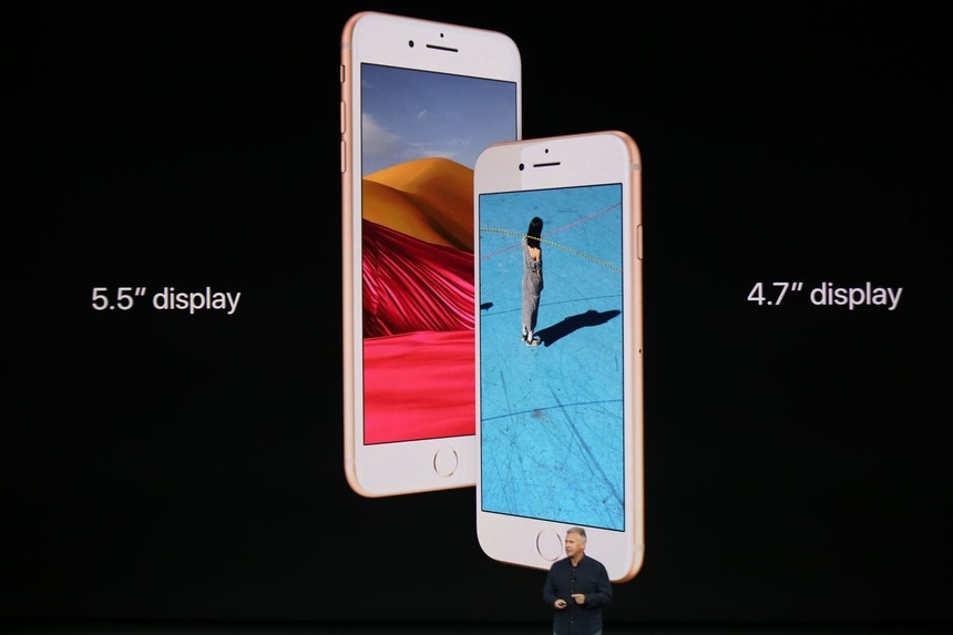 苹果总设计师还表示,iphone 8有望重回双面玻璃设计,造型上